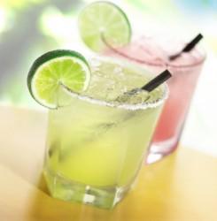 low_calorie_summer_cocktail_ideas-245x250